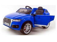 Licensed 12v Audi Q7 ride on car with remote control music and lights (leeds) only £190