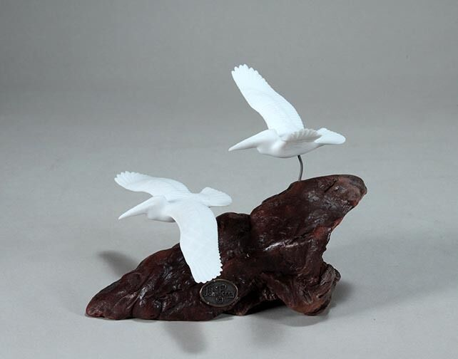 PELICAN DUO by JOHN PERRY 5 in tall Pellucida sculpture New direct from studio