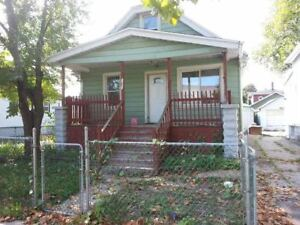 1150 + Util Newly Renovated, Cozy, Private 3 Bed/2 Full Bath