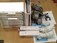 Nintendo Wii bundle + 7 games + 2 wii remotes controller bundle