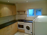 IDEAL FOR SHARERS! AVAILABLE NOW! Modern 5 double bedroom flat available on Morning Lane, Hackney E9