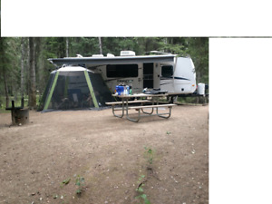 2012 FOREST RIVER 25 FOOT TRAILER