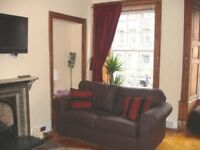Large Lawnmarket Group Apartment near Edinburgh Castle