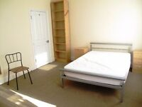 Very Large double room close to station, tram and bus in East Croydon