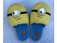 MINIONS NOVELTY CHARACTER SLIPPERS Despicable Me Minion SIZE: L