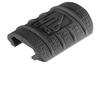 NEW 12 PIECE UTG RUBBER HAND GUARD COVERS WEAVER PICATINNY RAIL RIFLE GUN BLACK