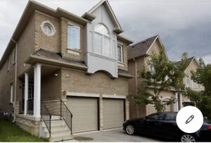 Luxury 4 bedroom house in centre of Richmond hill