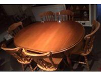Solid Oak - Pristine condition - 6 chairs