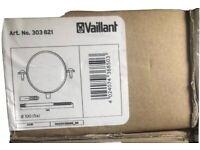 Vaillant Flue Brackets (5 in a box) 303821