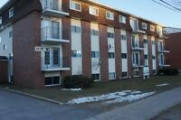 141 Biggs-2 bedrooms apartments in building close to campus!