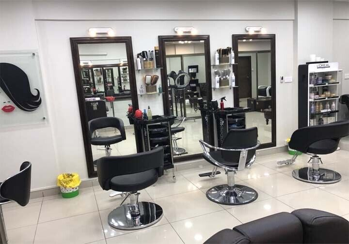 Remarkable Hairdressing Chairs To Rent In Lambeth London Gumtree Home Interior And Landscaping Ologienasavecom