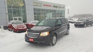 2016 Chrysler Town & Country
