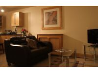 All inclusive Studio Apartment, Free Parking for 1 car,Wi-Fi, Close To Train Station and Town Centre