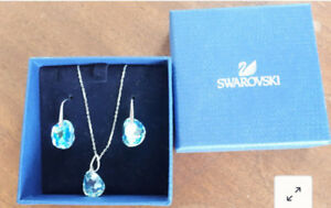 Swarovski blue crystal necklace and earrings matching set