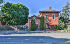 88 Victoria St S ~For Sale in Stinson, #HamOnt~ 2800+ sq ft!!