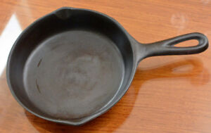 Vintage Lodge No. 3 Cast Iron Skillet Frying Pan Unmarked