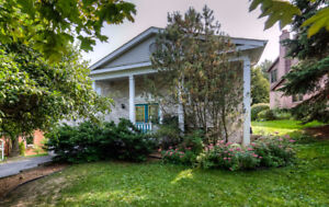 Welcome to this well maintained 1,502 sqft raised bungalow.
