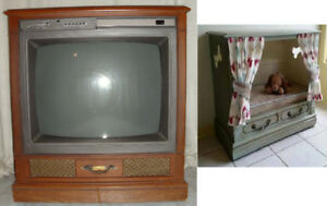 Console Furniture TV for upcycle