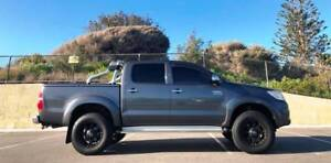 2013 Toyota Hilux 4x4 SR5 Dual Cab 1 Owner Lifted & Low ks