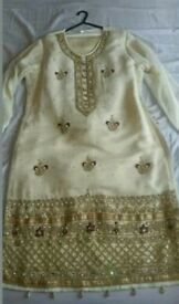 Pakistani formal 3 piece embroidered suit