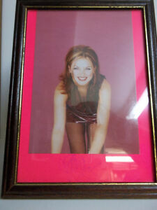 Geri-Halliwell-Photograph-from-Spice-Girls-era-in-frame-with-AUTOGRAPH