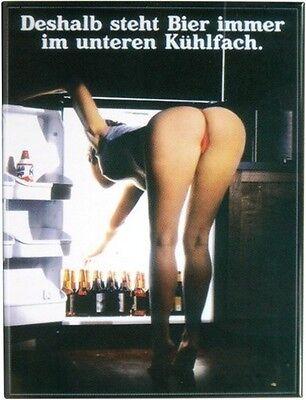 Deshalb steht Bier unten... Kühlschrank Magnet 6x8 cm Tin Sign EMAG84