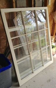 Vintage Window in Great Condition!!!!!
