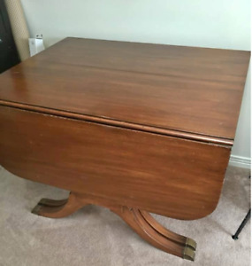 Duncan Fyffe drop leaf table-leaf table collectible