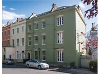 RARE Clifton charming Flat 3 beds direct access to garden 2 min by walk from the village