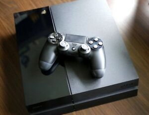 Ps4 + 2 games + controller