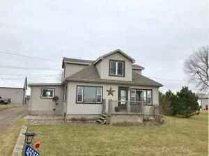 Beautiful country 4-bdrm home plus 20+acres
