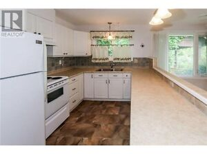 Nice Bungalow on Mary St N, Oshawa for Lease