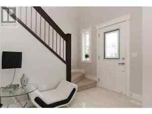 Executive style house available for rent December 1