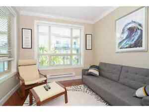 Great 1bdr+den steps away from  King George Skytrain
