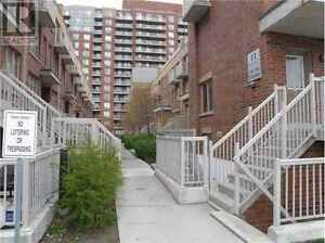 Luxury 2 BDRM + Den Townhome with rooftop patio