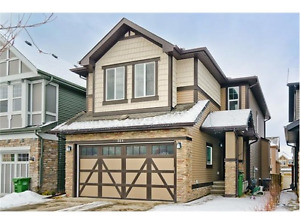 Beautifull Two Storey 2029 Sq. Foot Home Kings Heights Airdrie