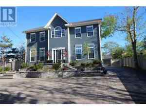 2373 Topsail Rd. – Executive Home Seconds from Topsail Beach