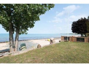 Ipperwash beach cottage rental near Grand Bend Lake Huron