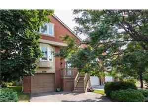 Town House for Rent at Sheridan Oakville