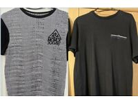 2 x RIVER ISLAND MENS SMALL fab black/white TOP & Navy blue T Shirt EXCELLENT