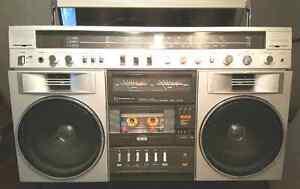 Boombox  CANDLE modèl  JTR 1287  am/fm cassette vente ou échange