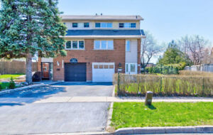Semi Detached Home Located In A Great Family Friendly Neighbor