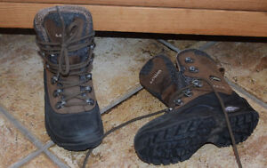 LOWA (100% handmade in Europe) hiking winter boots hiver US10