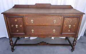 Elegant antique sideboard/buffet, solid oak, refinished (Deliver
