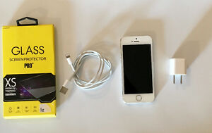 IPHONE 5S 16GB BLANC EN TRES BON ETAT!! BELL/VIRGIN