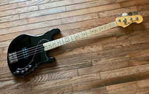 2013 Fender American deluxe Dimension bass