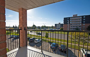 Updated 3 bedroom condo /w gas fireplace in White Oaks London Ontario image 10
