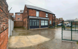 Property to rent let shop office with car park Ashton under lyne