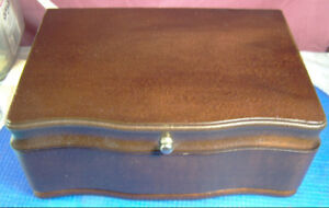 VINTAGE WOODEN JEWELRY STORAGE BOX WITH TRAY NICE GIFT