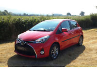 2015 '15' TOYOTA YARIS 1.3VVT-i ICON IN CHILLI RED. ONLY 19900 MILES.